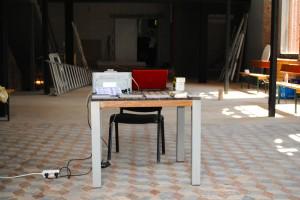"""So sah einmal das """"Büro"""" im Theater an der Volme aus. (Foto: Laura Lucas)"""